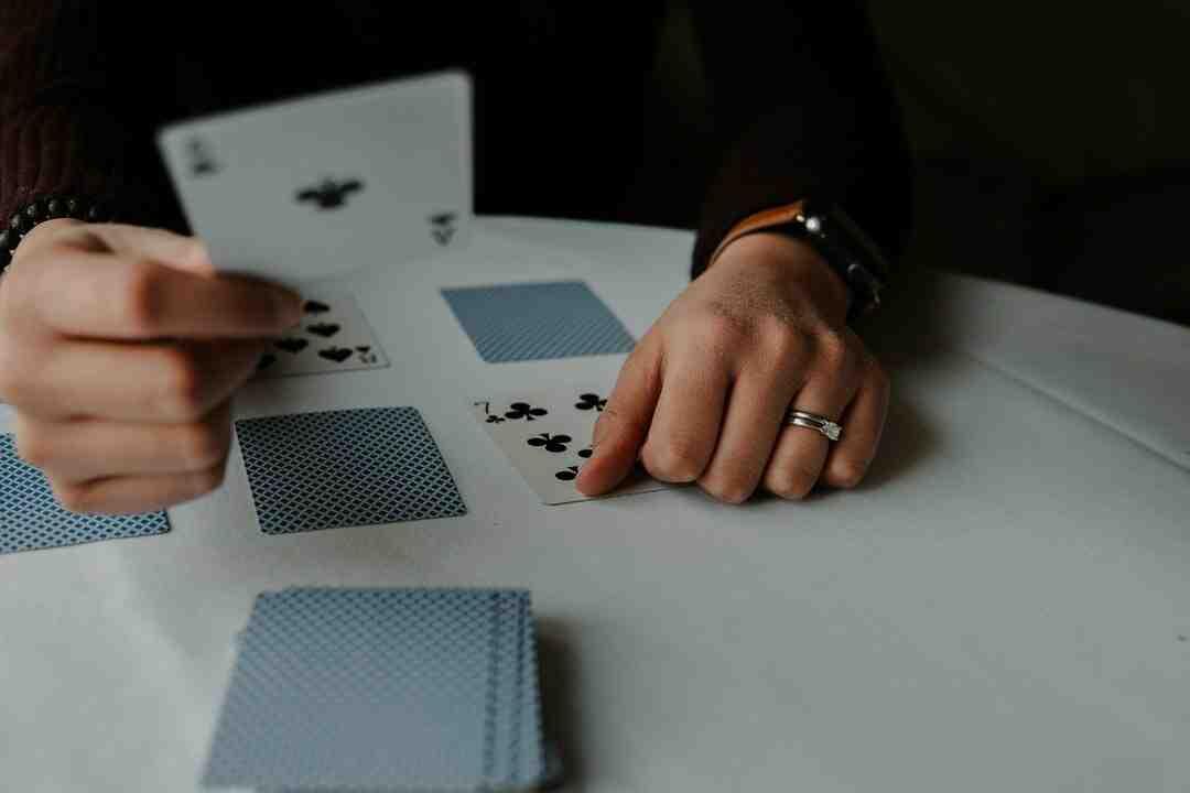 Jeux de cartes solitaire